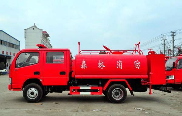 东风双排座消防洒水车(国五)------5吨-东风双排座消防洒水车(国五)------5吨